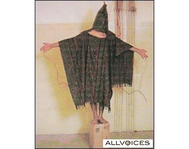 Torture d'un détenu à Abu Gharib -Irak-