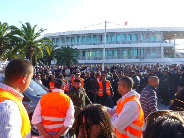 Les deux camps, face à face, Le Bardo à Tunis, 03/12/2011