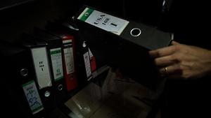 Un classeur découvert après la chute de Tripoli dans un immeuble appartenant aux services libyens de sécurité extérieure, et contenant des échanges de fax et de mémos entre l'Agence centrale de renseignement américaine (CIA) et les services libyens de renseignement.