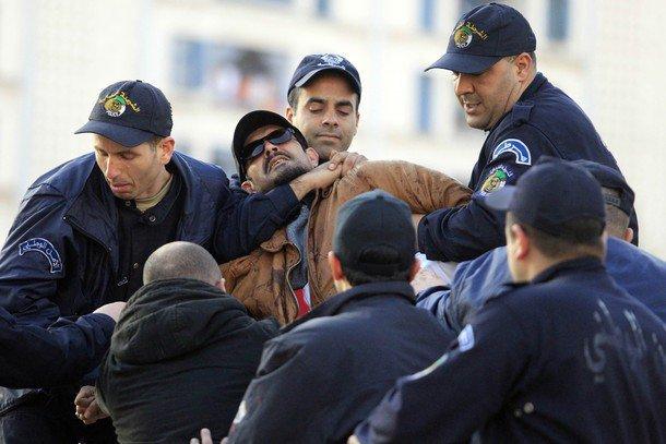 Archive : Arrestation de Yacine Zaid lors d'une manifestation